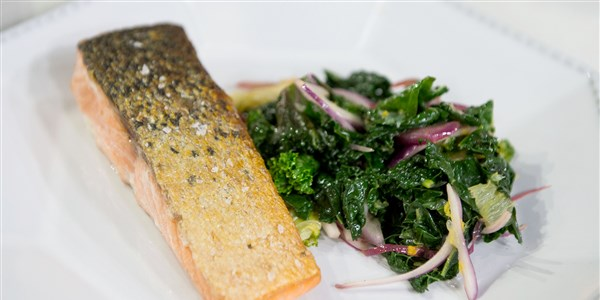In padella Salmon with Braised Kale