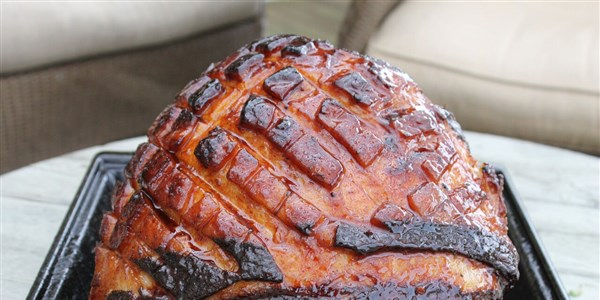 Facile Glazed Ham with Sriracha and Orange Marmalade