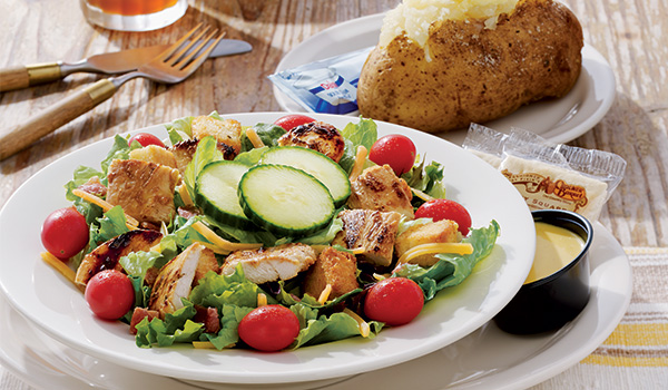 Cracker Barrel Country House Salad with grilled chicken