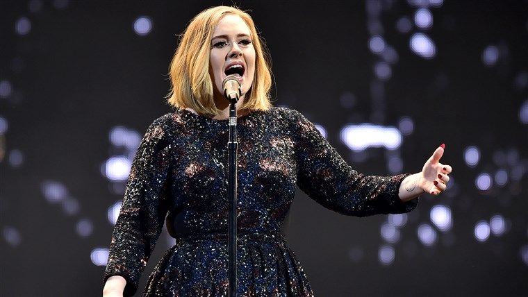 영상: Adele Performs At The SSE Arena Belfast