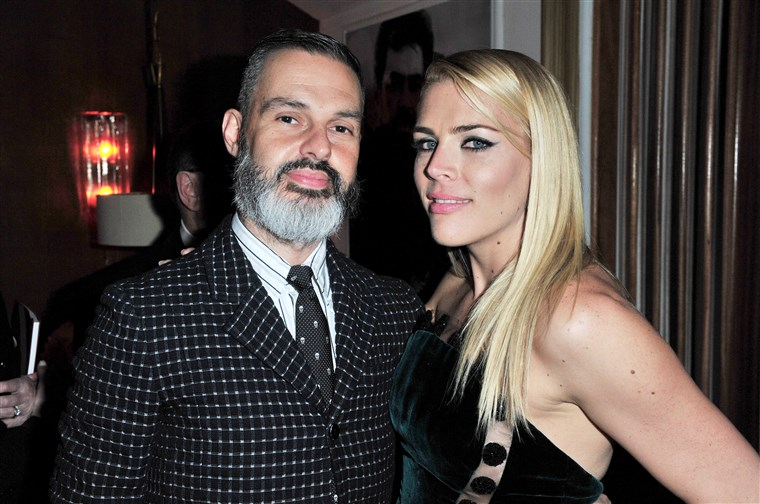 마크 Silverstein and Busy Philipps