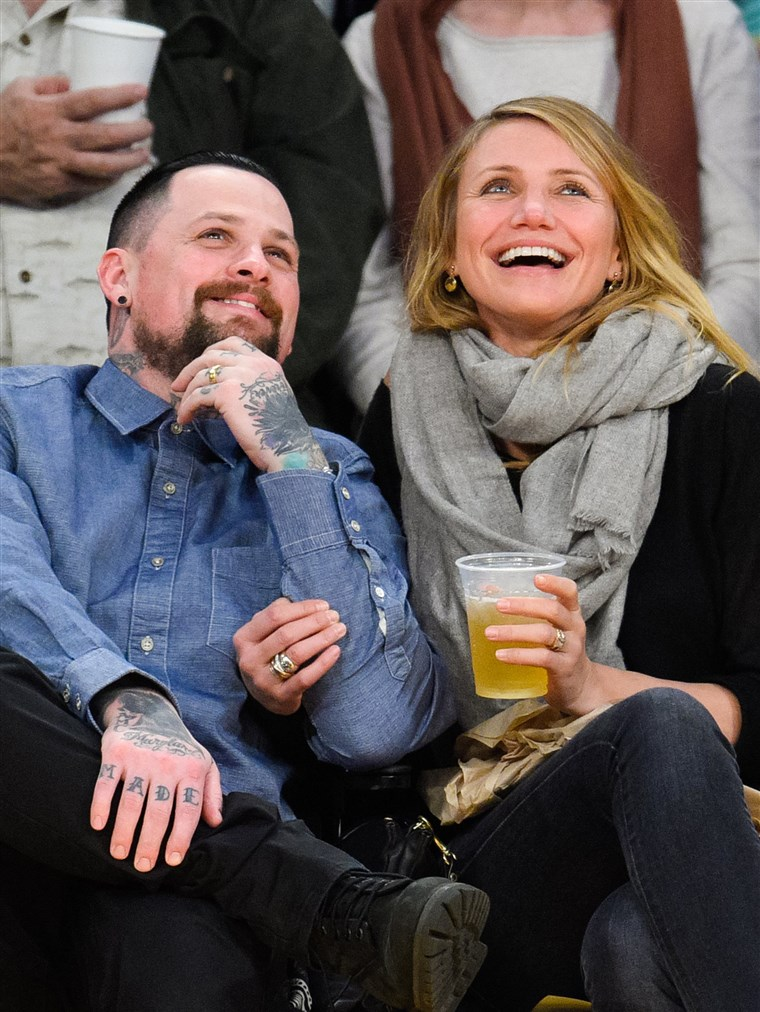 벤지 Madden and Cameron Diaz attend a basketball game between the Washington Wizards and the Los Angeles Lakers