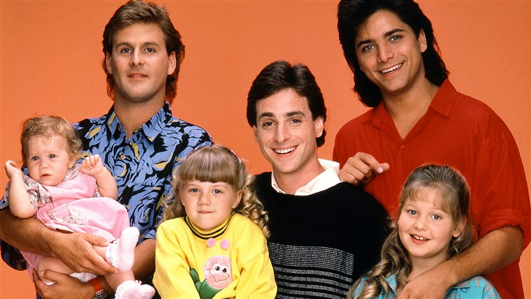 PIENO HOUSE, Mary Kate Ashley Olsen, Dave Coulier, Jodie Sweetin, Bob Saget, John Stamos, Candace Cameron