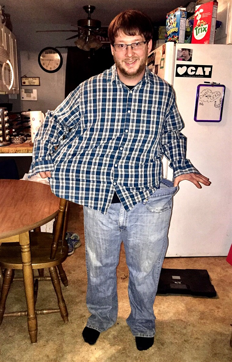 대니 Reed lost 62 pounds since New Year's Day 2016. He changed his eating and workout habits to improve his health and support wife Lexi.