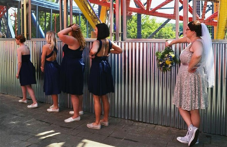 Coppia who got married on a roller coaster