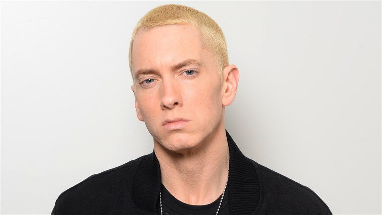 画像: MTV EMA's 2013 - Eminem Dressing Room Exclusive
