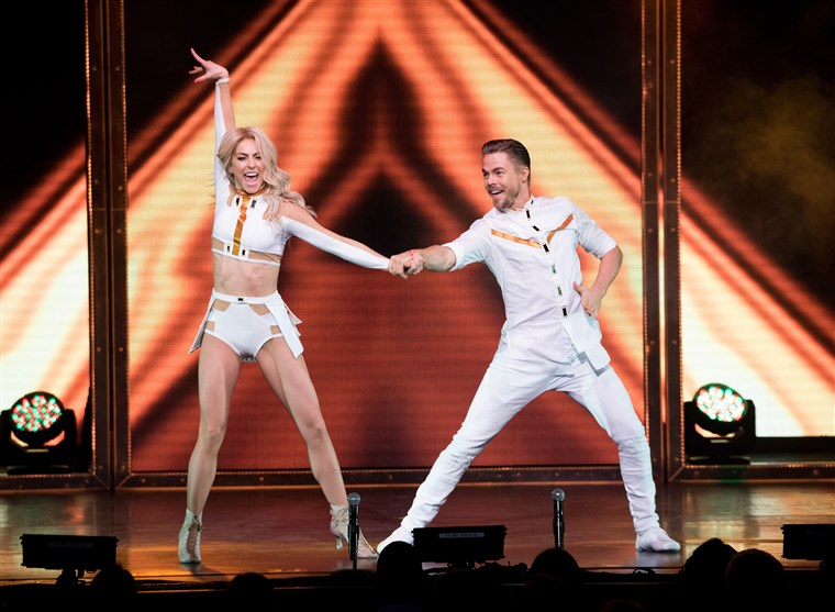 줄리안 And Derek Hough Move Beyond Live On Tour - New York, New York