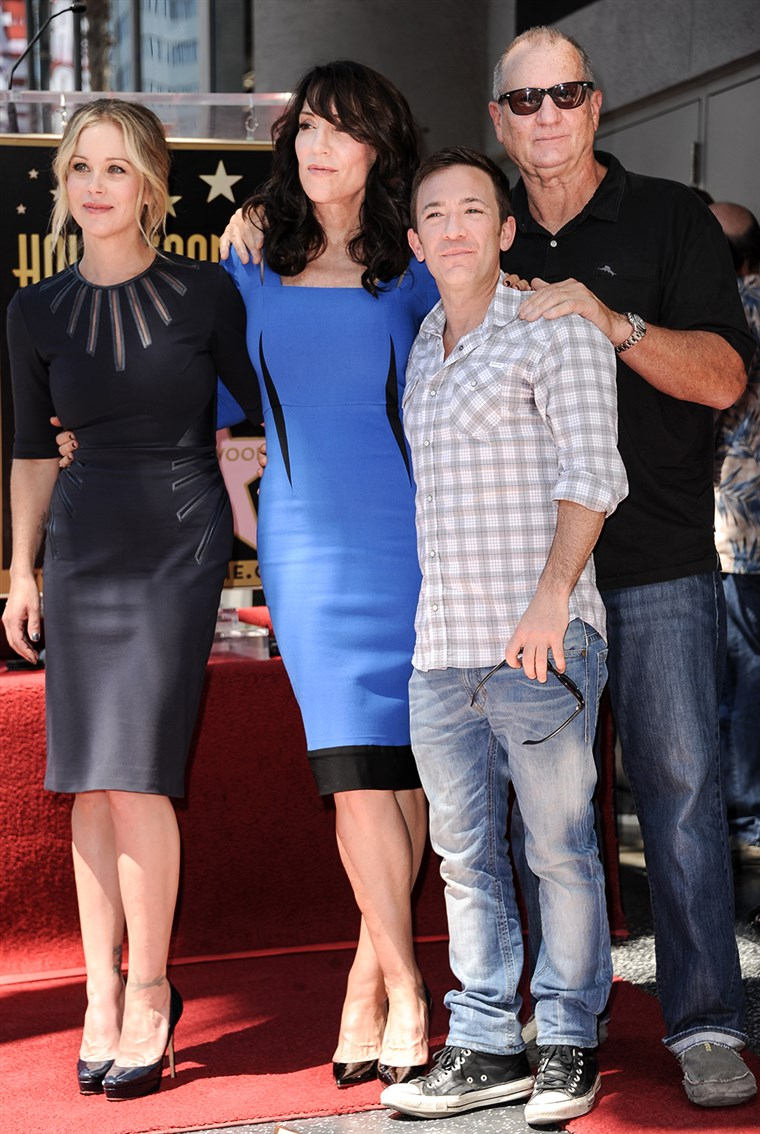 Gambar: Christina Applegate, Katey Sagal, David Faustino, and Ed O'Neill from