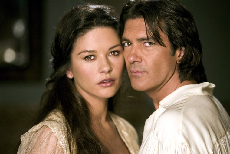 IL LEGEND OF ZORRO, Catherine Zeta-Jones, Antonio Banderas, 2005.