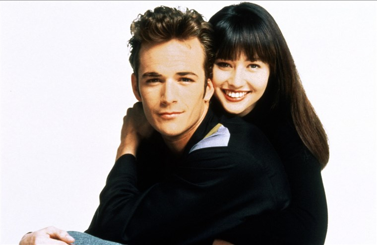 LUKE PERRY & SHANNEN DOHERTY BEVERLY HILLS 90210 (1994)